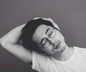steven yeun, twd, and the walking dead image
