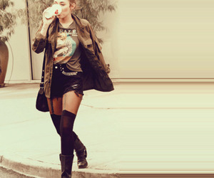 miley cyrus, fashion, and boots image