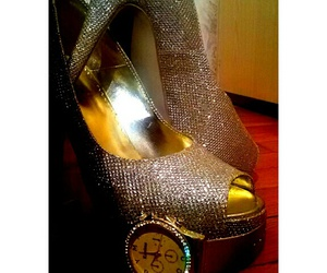 fashion, girl, and golden watch image