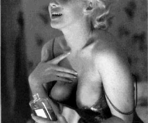 chanel, no. 5, and Marilyn Monroe image