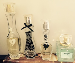 girls, parfum, and smell image