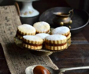 alfajores, Cookies, and dulce de leche image