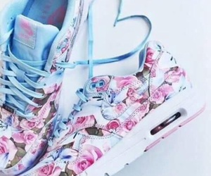 bloemen, nike, and shoes image