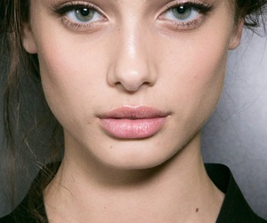 model, taylor hill, and makeup image