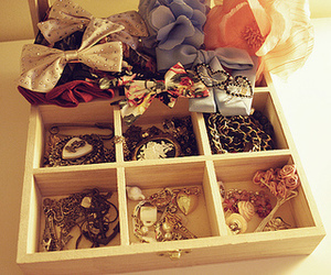 bow, cameo, and trinkets image