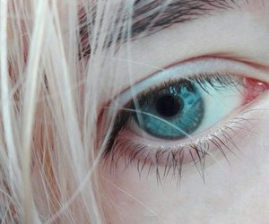 blue eye, eye, and blonde image