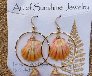 beach, earring, and shell image