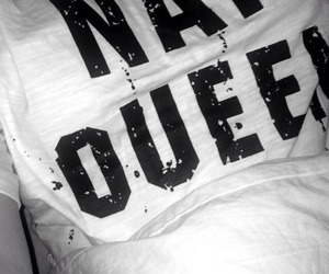 bed, black and white, and grunge image