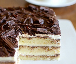 cake and tiramisu image