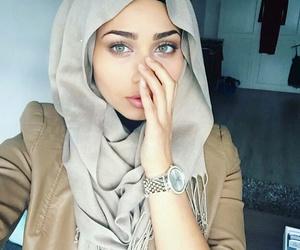 beauty, green eyes, and azzalimi image