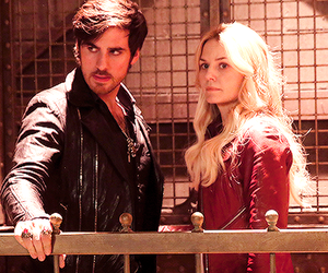 Jennifer Morrison, captain swan, and colin o donoghue image