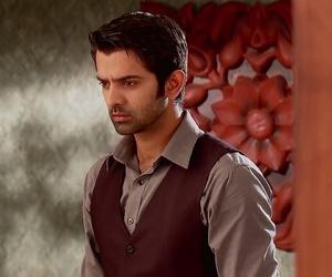 handsome, khushi, and sanaya irani image