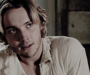 britain boy, reign, and toby regbo image