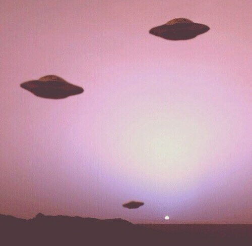 alien, pink, and ufo image