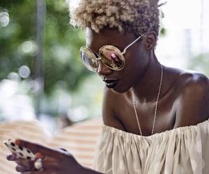 hair and melanin image