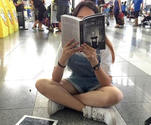 girl, book, and grunge image