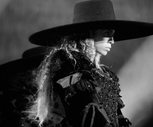 black and white, blue ivy, and formation world tour image
