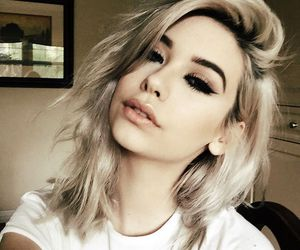 girl, amanda steele, and makeup image