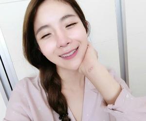 kpop, hyunyoung, and rainbow image