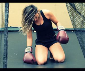 blonde, hair, and boxe image