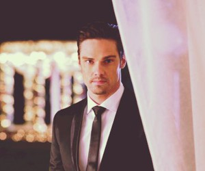Jay Ryan, beauty and the beast, and vincent keller image