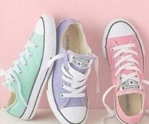 converse, morado, and pastel image