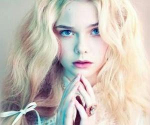 Elle Fanning, blonde, and model image