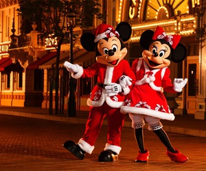 christmas, mickey mouse, and musse pigg image