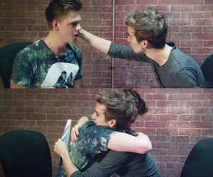 hug, youtube, and joe sugg image