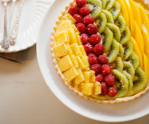 crust, FRUiTS, and pastry cream image