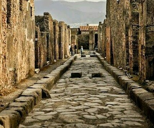 pompeii and ruins image