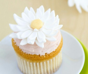 cupcake and flower image