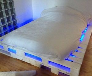 pallet bed plans and recycled pallet bed image