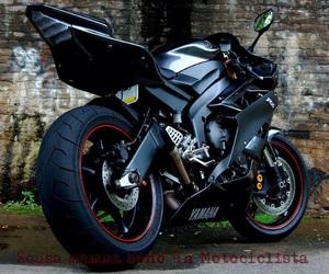 YAMAHA, bike, and black image