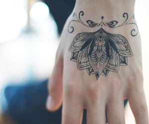 tatuagem, black line, and linhas negras image