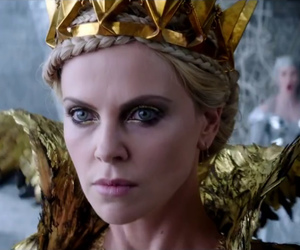 Charlize Theron, movie, and blancanieves image
