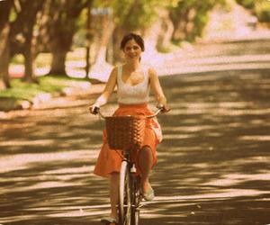 zooey deschanel, 500 Days of Summer, and bike image