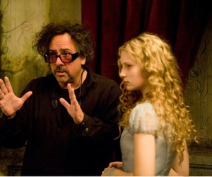 alice in wonderland, tim burton, and Mia Wasikowska image