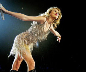 Swift, taylor, and speak now tour image