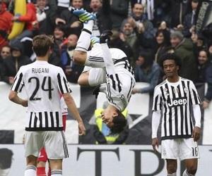 Juventus, hernanes, and juan cuadrado image