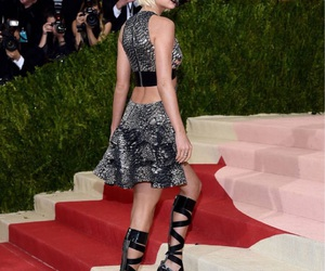 Taylor Swift, met gala, and 2016 image