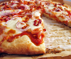 onion, pizza, and yummy image