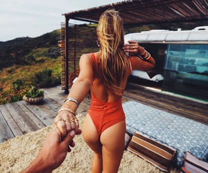 girl, summer, and couple image