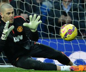 manchester united, victor valdes, and old trafford image