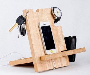 pallet creations, pallet ideas, and cell phone holders image