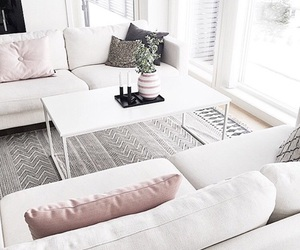 couch and couvh image