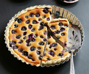 blueberry, cream cheese, and crust image