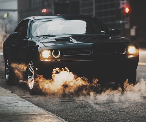 car and dodge challenger image