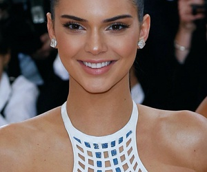 kendall jenner and makeup image