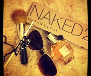 beauty, naked, and flowerbomb image